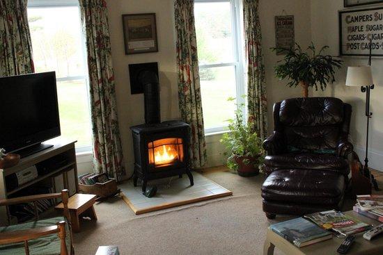 Kinsman Lodge: Parlor... so relaxing