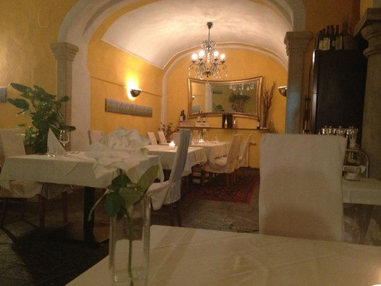 Hotel Zum Dom - Palais Inzaghi: dining room