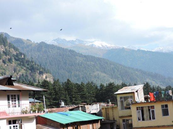 Hotel Himgiri: Hotel Outside view