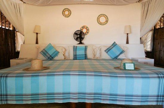 Ras Kutani: huge bed