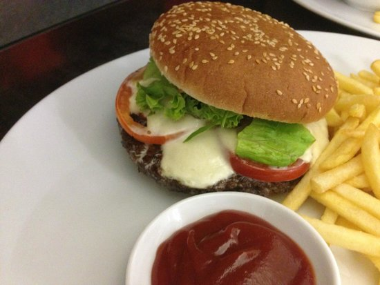 Paul's Restaurant und Steakhaus : Burger