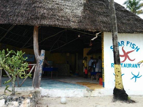 Starfish Restaurant and Bungalows: restaurant