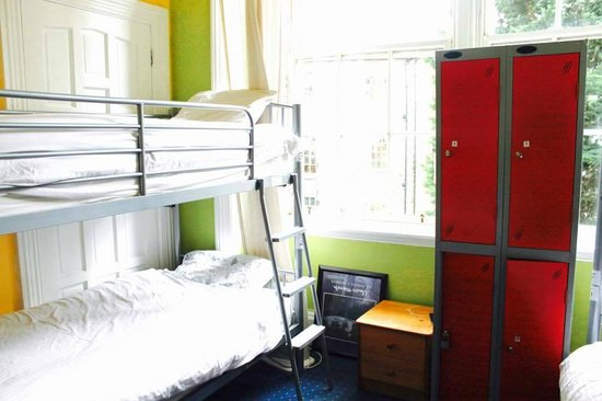 Boutique Backpackers: boutique backpacker room