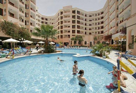 فندق تريتون إمباير إن: Triton Empire Hotel swimming pool
