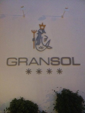 Gran Sol: Front Of Hotel