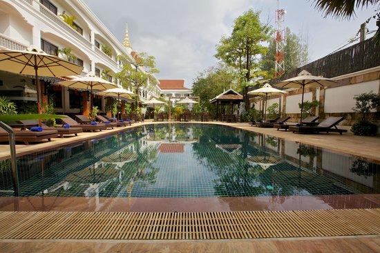 Lin Ratanak Angkor Hotel : Pool view