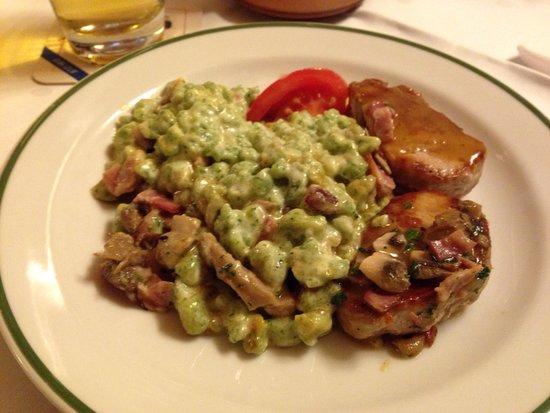 Gasthaus Zum Suenfzen: Spätzli agli spinaci buonissimi! Come pure il maiale