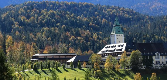Schloss Elmau - Luxury Spa & Cultural Hideaway: Herbst in Elmau