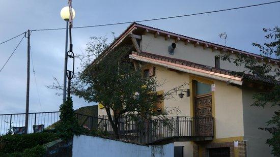 Arguis, España: Vista del Hotel desde fuera