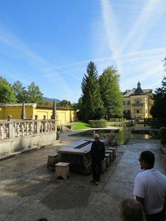 Jeux d'eau d'Hellbrunn : お尻の下から水が噴き出す椅子