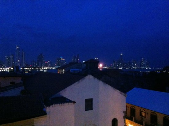 Hotel Casa Nuratti: Skyline view from rooftop at dawn