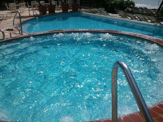 Rincon Beach Resort: jacuzzi!