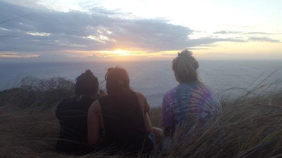 Coralview Island Resort: Watching the sunset from Tavewa Summit