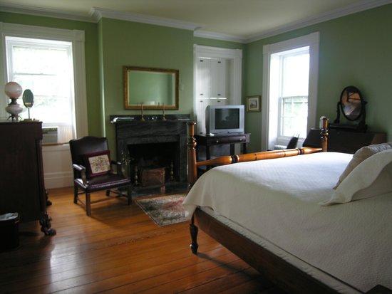 Delano Homestead Bed and Breakfast: Warren Delano Room