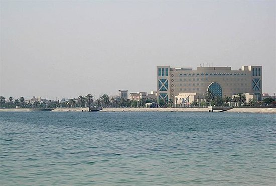 Al Jubail, Саудовская Аравия: Fanateer view with Sabic building