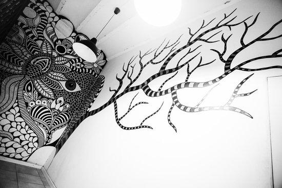 360 Hostel Barcelona: Graffiti