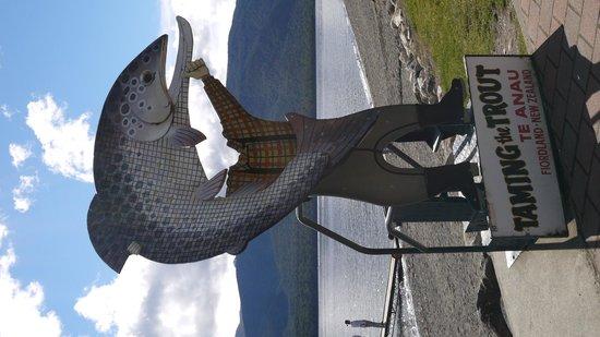 Lake Te Anau: テ アナウにて