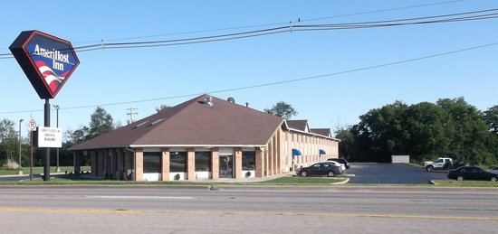 BEST WESTERN Jacksonville Inn: When it was a Country Hearth on june 2014.