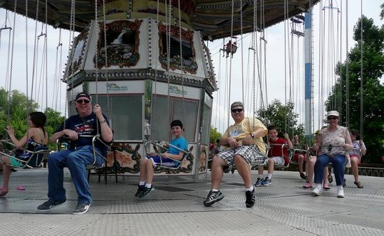 Lake Winnie Amusement Park: having fun on the swings