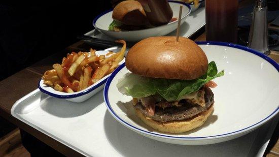 Bluu - Manchester: Bluu Smoke Stack Burger
