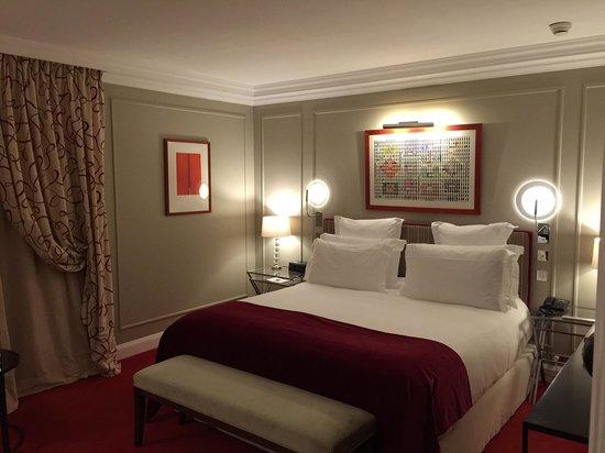 Hotel Le Burgundy: La chambre Deluxe