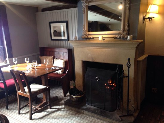 Blundell Arms: Our beautiful table next to the fire and the window! The view is amazing!