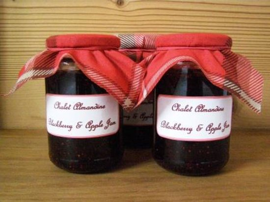 Chalet Almandine : Our homemade jams being served this winter