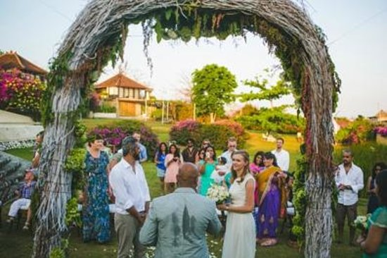 Villa Bidadari Nusa Dua: Wedding @ Villa Bidadari Grass Lawns
