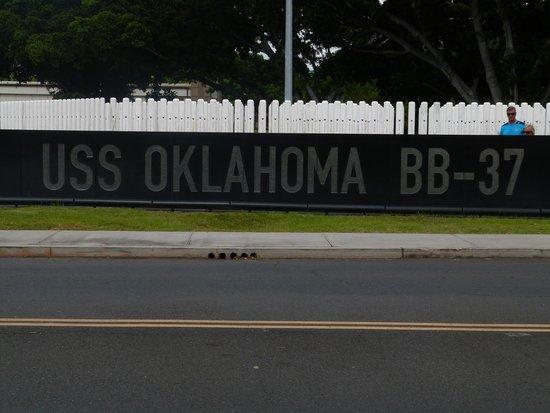 USS Oklahoma Memorial : Mémorial USS oklahoma