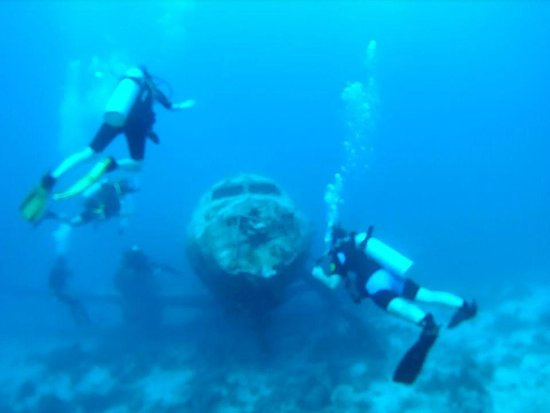 S.E. Aruba Fly 'n Dive: Airplanes S11