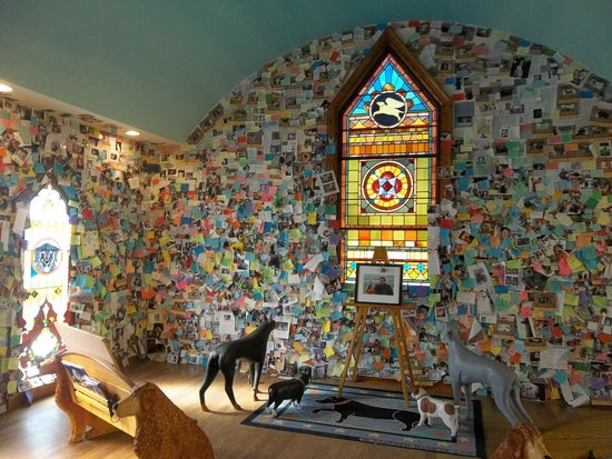 The Dog Chapel : Inside the chapel, covered wall-to-wall with memorial notes