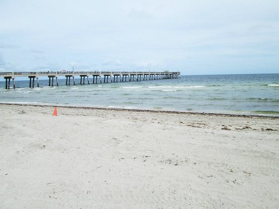 ‪Dania Beach Fishing Pier‬