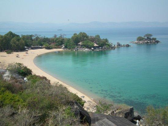 Kaya Mawa: View of resort and beach