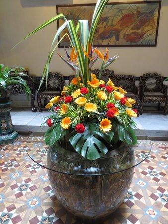Hotel Puri: beautiful front court yard