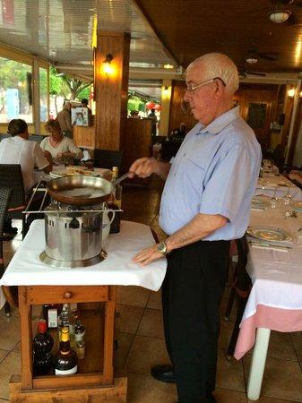 Miguel : Один из милейших официантов этого ресторана!:)