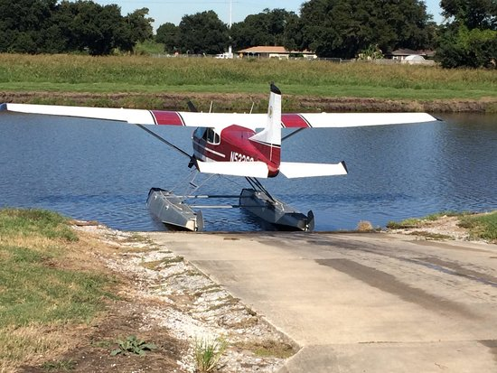 Belle Chasse, LA: Getting on to the runway at base