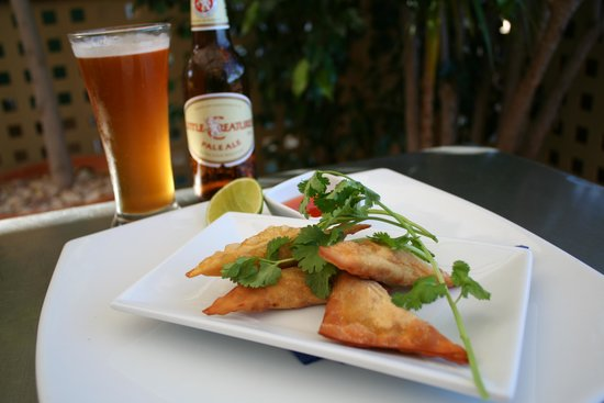 Whalers Restaurant: Crab and Prawn Wontons with Little Creatures Pale Ale