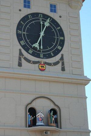 Schug House Inn : The clocktower - just a block away.