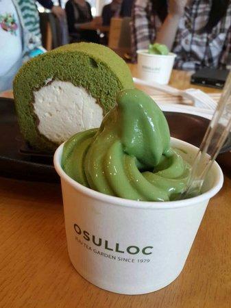 green tea ice cream and green tea roll cake picture of o sulloc