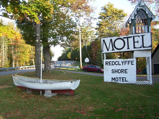 Redclyffe Shore Motel: View from Highway.