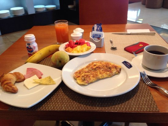 Howard Johnson Hotel Quito: A desayunar!!!
