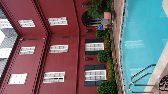 Le Richelieu in the French Quarter: Courtyard Pool
