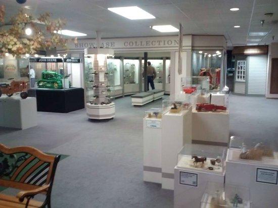 National Farm Toy Museum: Entrance