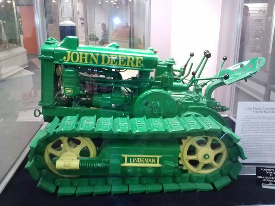 National Farm Toy Museum: John Deere re-creation - made mostly of wood!