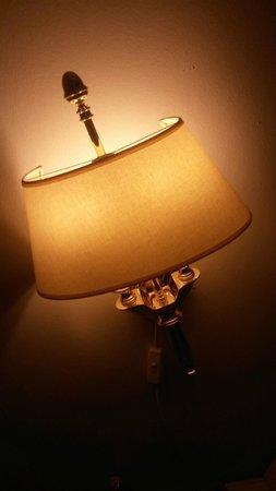 Phoenix Copenhagen: movable lamp....