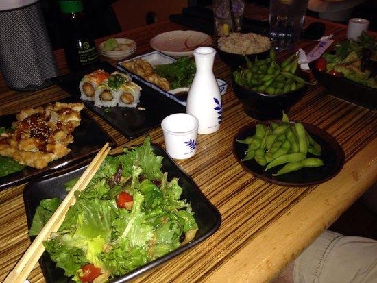 Mikuni Japanese Restaurant and Sushi Bar: Happy Hour - whoa!