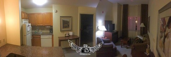 Staybridge Suites Tallahassee I-10 East: room