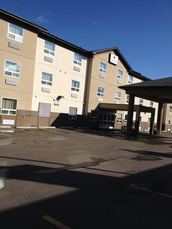 Paradise Inn & Suites Redwater