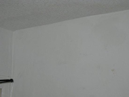 flecken an der wand foto van pier hotel portree tripadvisor. Black Bedroom Furniture Sets. Home Design Ideas