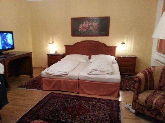 Austria Classic Hotel Wolfinger : Mobili in stile